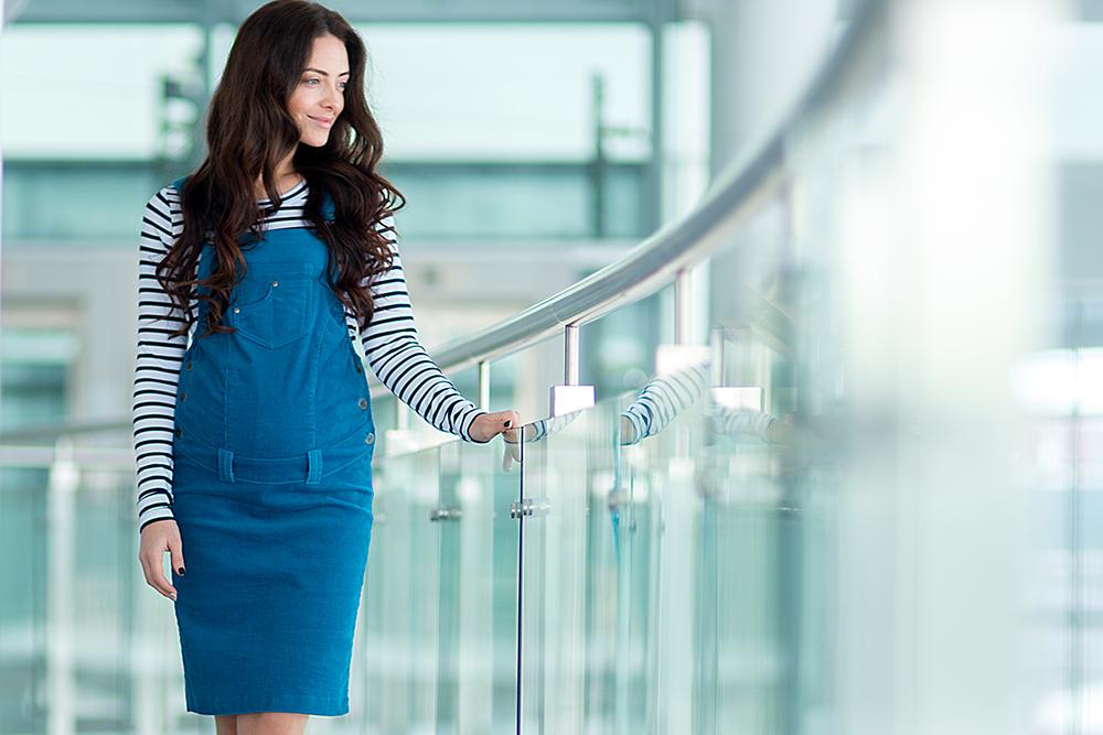 3f4575b47a15 Много говорится, что одежде для будущим мам следует быть удобной и  комфортной. Но современным женщинам в положении этого, оказывается, мало.